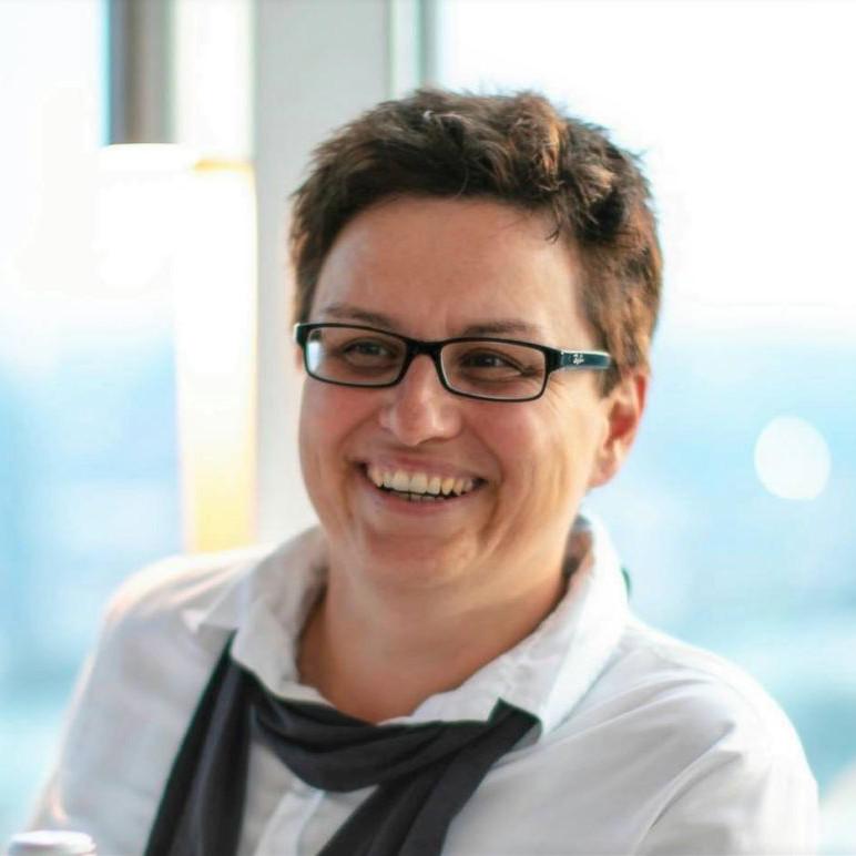 Sabine Hackl | CEO & Co-Founder